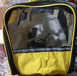 Pet carrier. Size large. Yellow & gray available
